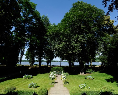 Gartenweg zum See