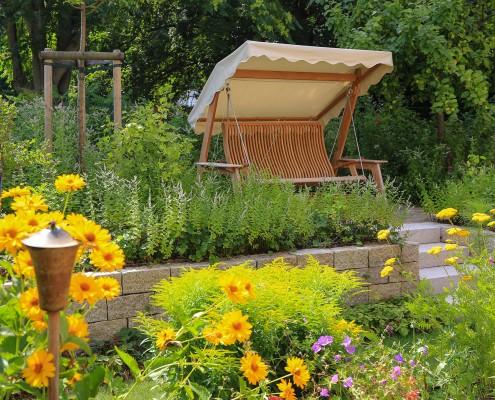 bunte Pflanzen im Garten