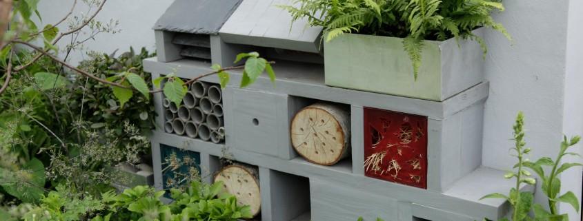 Insektenhotel für Nützlinge im Garten