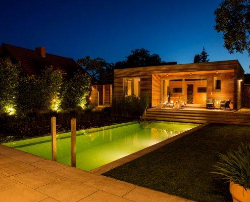Abendbeleuchtung im Garten