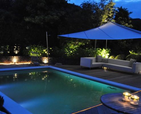 Der Living Pool am Abend